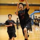 早いトランジションで速攻に行く佐藤 卓磨選手(東海大学 2年)