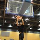 ナナー ダニエル弾選手(横須賀学院高校 3年)の豪快なダンクシュート