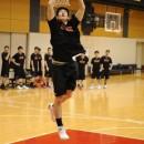 平岩 玄選手(土浦日本大学高校 3年)をはじめ、ダンクシュートでジャンプ力を強化