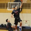 鶴田 美勇士選手(東海大学 1年)は速く正確にシュートを決める