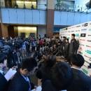 発表会後に取材対応をする男子日本代表候補選手たち