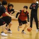 ピック&ロールを使う藤岡 麻菜美選手(JX-ENEOSサンフラワーズ)