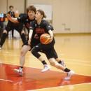 持ち前のスピードを発揮する本川 紗奈生選手(シャンソン化粧品 シャンソンVマジック)