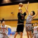 岩﨑 光瑠選手(近畿大学附属高校 1年)の力強いインサイドプレイ