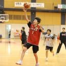 シュートに行く伊藤 和希選手(青森市立横内中学校 3年)