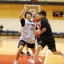 ドライブを仕掛ける首藤 祐希選手(北九州市立二島中学校 3年)