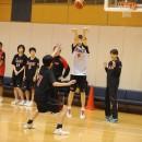 3Pシュートを打つ林 未紗選手(県立足羽高校 1年)