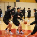 藤本 愛妃選手(東京医療保健大学 1年)のポストプレイ