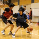 1on1で勝負する小笠原 美奈選手(専修大学 1年)