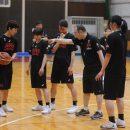 日本のバスケットスタイルを徹底させる佐藤 智信ヘッドコーチ